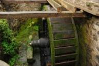 Roubený vodní mlýn.