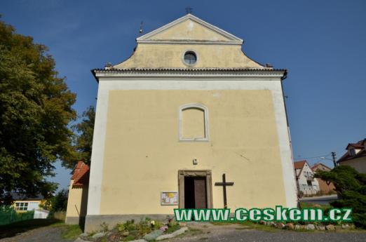 Průčelí kostela svatého Jiljí.