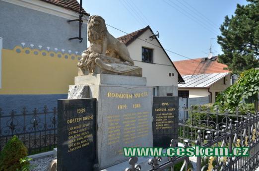 Památník padlým ze světových válek.