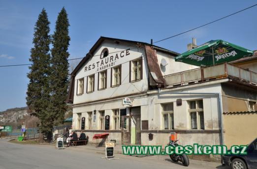 Restaurace u nádraží.
