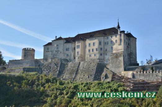 Hrad z poloviny 13. století.