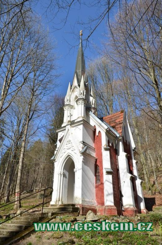 Novogotická kaple Julia Lasky.