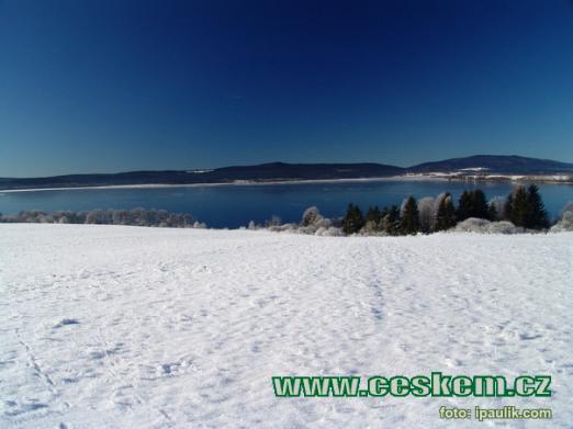 Zima v okolí Lipna.