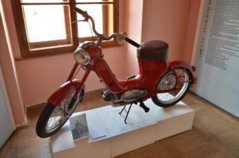 Poštovní muzeum na Českokrumlovsku - Moped Jawa 50, typ 551.