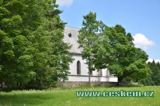 Ukrytý kostel.