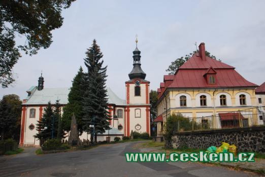 Barokní kostel sv.Jana Křtitele.