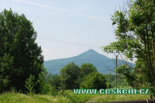 Pohled na kopec Ralsko.