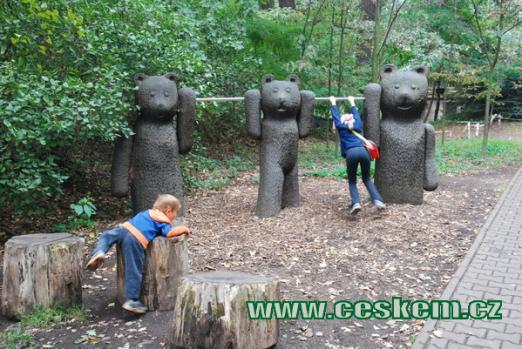 Zoopark je rájem dětí.