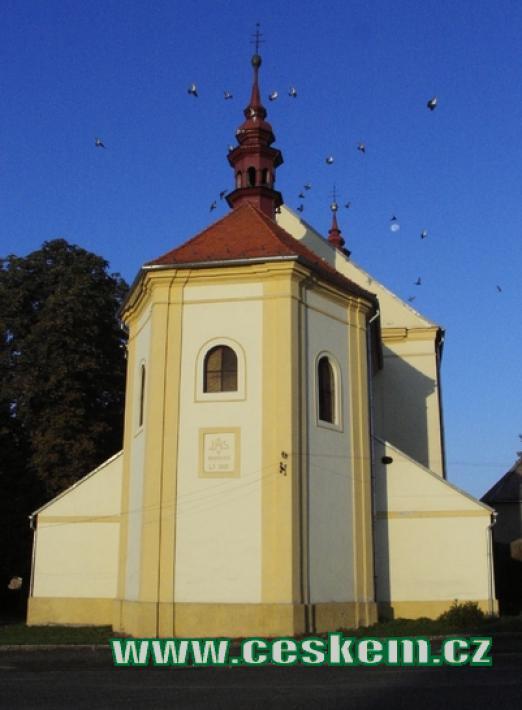 Kostel Narození Panny Marie v Radonicích.