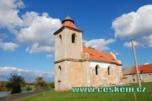 Zdejší kostel sv. Jana Evangelisty.
