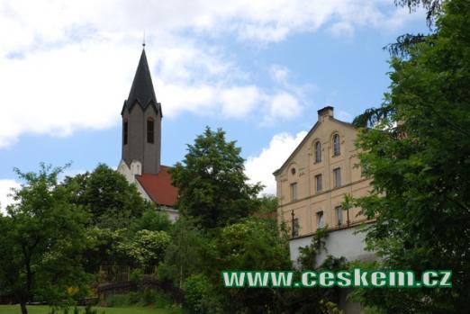 Barokní kostel Nejsvětější Trojice.