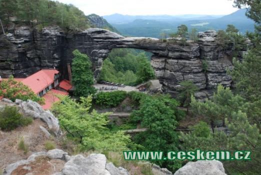 Největší přirozená skalní brána na našem kontinentu.