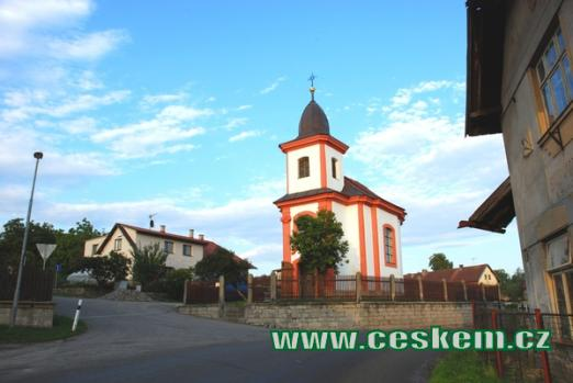 Kaple svatého Jana Nepomuckého.