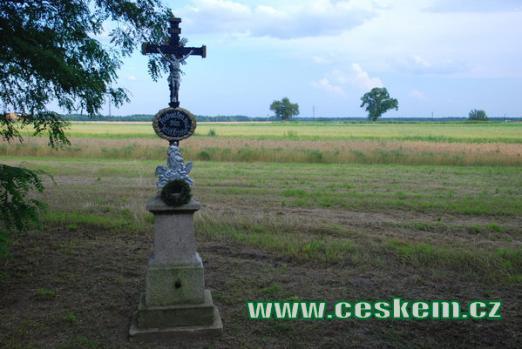 Křížek u silnice směrem na Třeboň.