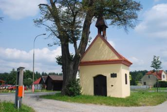 Holičky - Pohled na kapli sv. Petra a Pavla.