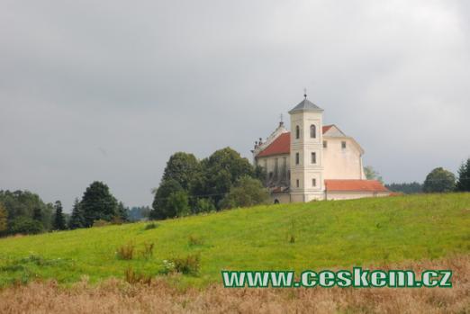 Pohled na kostel Nejsvětější Trojice.