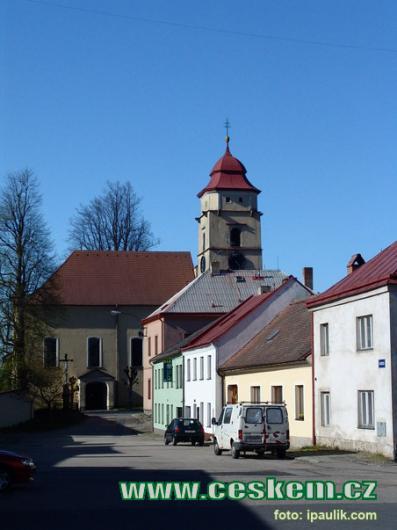 Farní kostel svatého Bartoloměje.