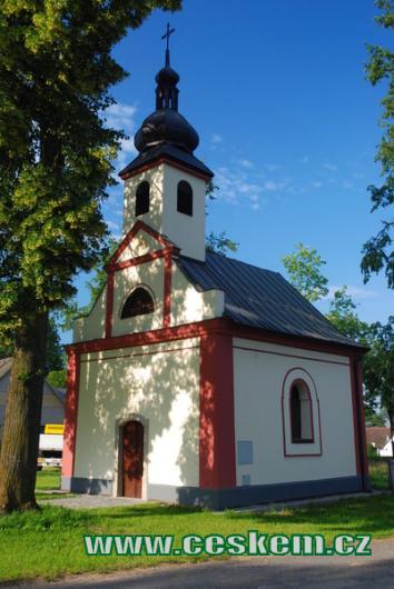 Kaple sv. Jana Nepomuckého z přelomu 18. a 19. století.