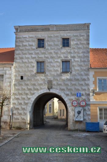 Jemnická brána.