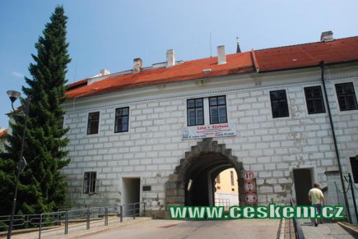 Budějovická brána v Třeboni.