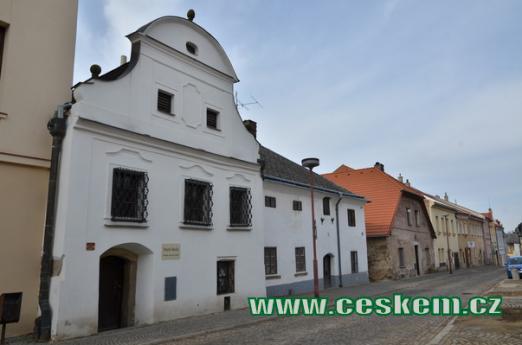 Stará škola - Městské muzeum.