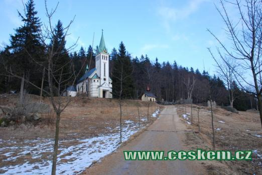Kostel sv. Antonína v Bedřichvě.