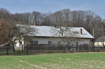 Bílichov na Kladensku - Bývalý zámek, dnes myslivna Březina.