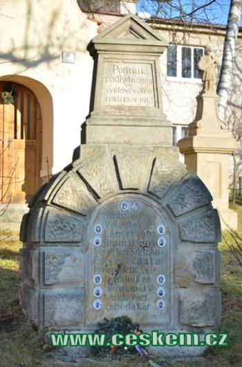 Pomník padlých za světové války.