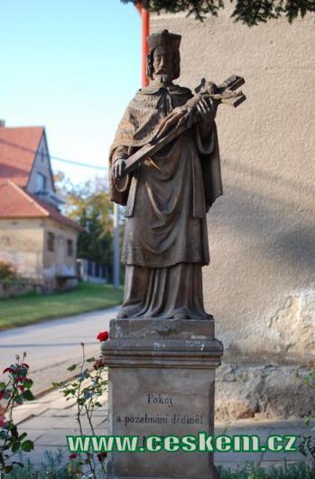 Pokoj a požehnání dědině, socha z roku 1863.