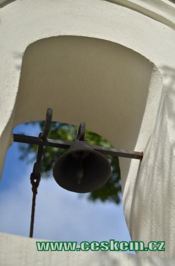 Zvon na kapličce.