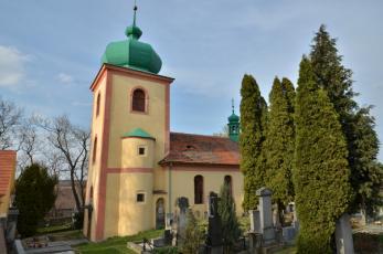 Knovíz na Kladensku - Kostel Všech Svatých na hřbitově.