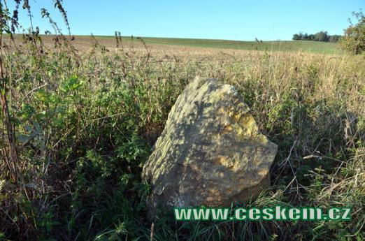 Jeden z dávných kamenů.