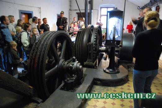 Těžní stroj Kooepe.
