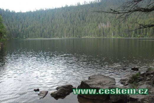 Druhé největší šumavské jezero...