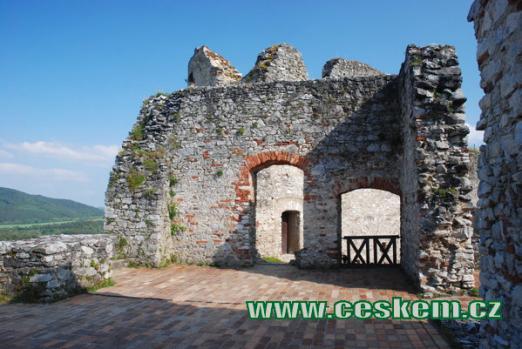 Vrchní patro hradu...