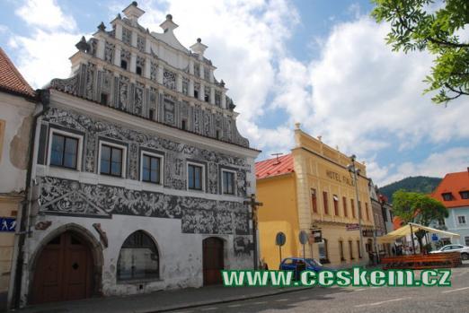 Dům Rozacínovský (stará lékárna).