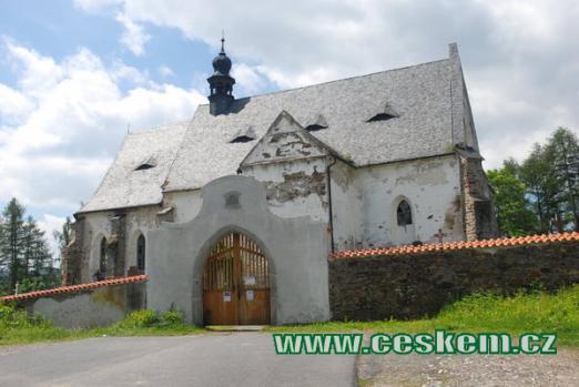 Dějiště Erbenovy Svatební košile - kostel sv. Máří Magdalény.