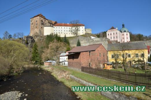 Říčka Teplá, hrad a zámek v Bečově.