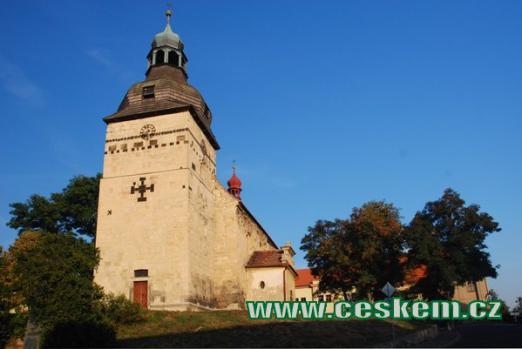 Románský kostel Stětí sv. Jana Křtitele.