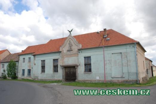 Budova bývalé sokolovny.