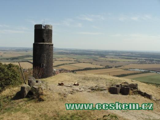 Pohled na Černou věž...