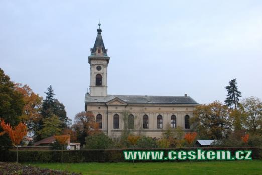 Evangelický kostel postavený v roce 1885.