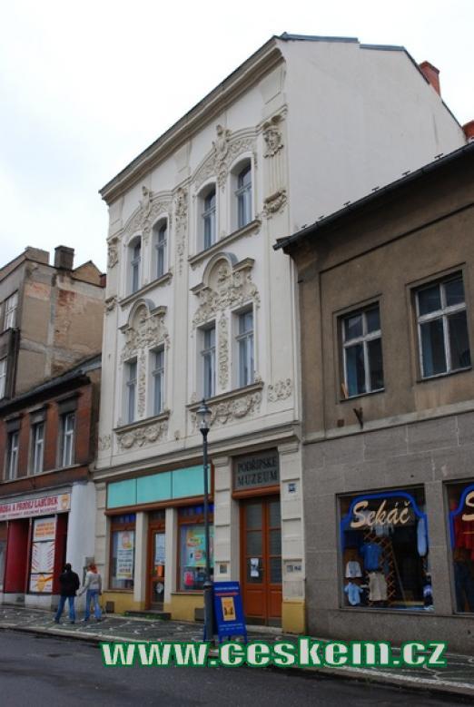 Budova Podřipského muzea.