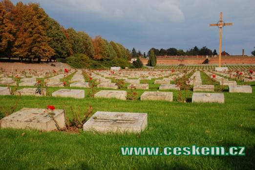 Náhrobky na Národním hřbitově.