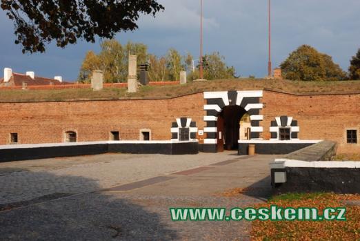 Vchod do Malé pevnosti.