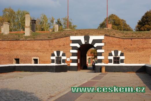 Vchod do Malé pevnosti v Terezíně.