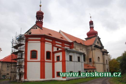 Barokní kostel Nanebevzetí Panny Marie.