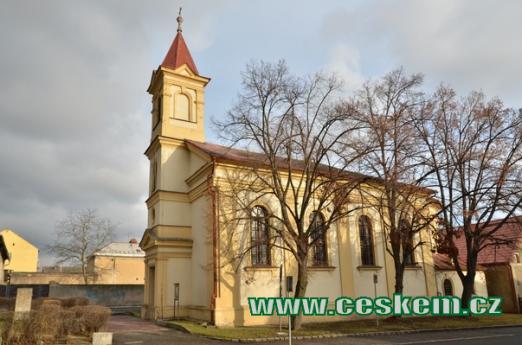 Kostel Nejsvětější srdce Páně ze 17. století.