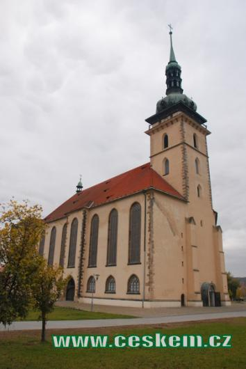 Pohled na přesunutý kostel...