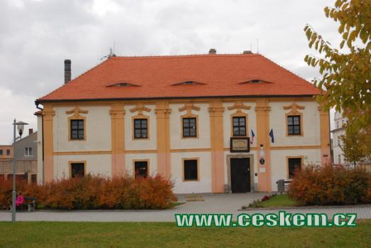 Budova barokního špitálu.